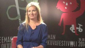 Festivaalipuhetta: kirjailija Katja Kallio puhuu elokuvasta Nader ja Simin: ero.