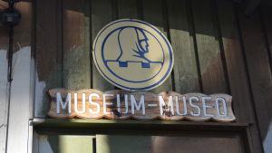 Hangö frontmuseums skylt