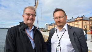 Teijo Seppelin och Juha Kytölä vid Inre hamnen i Vasa.