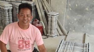 Företagaren John Mendez skäms i allt högre grad för sin president. Däremot stöder Mendez Dutertes antiknarkkampanj.