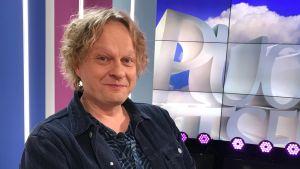 Pianisti ja säveltäjä Iiro Rantala Puoli seitsemän studiossa.