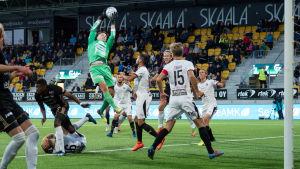 Den 13 september vann SJK över TPS med 1–0.