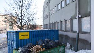 Den fuktskadade polisstationen i Borgå feb. 2019