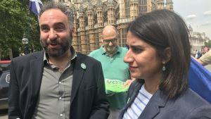 Gröna kandidater gör valkampanj.