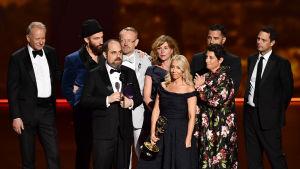 Chernobyl-teamet uppe på scen under Emmygalan 2019.