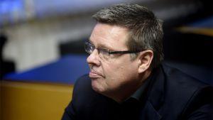 Jari Aarnio i Helsingfors tingsrätt 13.1.2015 under behandlingen av den så kallade Trevoc-härvan