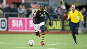 Rickson Mansiamina i AIK:s tröja