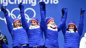 Norska stafettlaget firar guld.