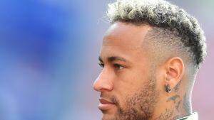 Närbild på Neymar.