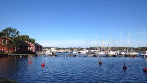 Gästbåtshamnen i Ekenäs fylld med båtar.