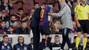 Lionel Messi skadade sig mot Sevilla.