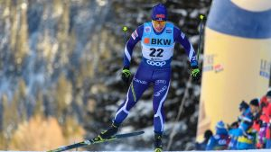 Lauri Vuorinen åker skidor.
