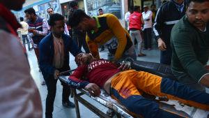 Skadad man i Delhi 25.2.2020