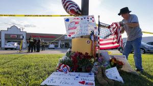 Minnet av de fyra marinsoldater som sköts ihjäl i Chattanooga i Tennessee hedras.