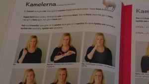 """Bilder på hur man tecknar sången """"kamelerna"""". Utdrag ur Sandras sångmaterial."""