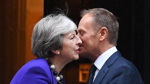 Premiärminister Theresa May välkomnade EU:s permanente rådsordförande Donald Tusk på 10 Downing Street på torsdagen 1.3.2018.