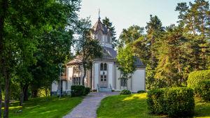 en kyrka i Strömfors