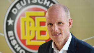 Toni Söderholm presenteras av det tyska hockeyförbundet.