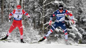 Sergej Ustiugov och Johannes Hösflot Kläbo i farten.