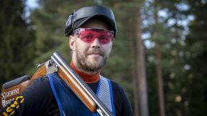 Ampuja Vesa Törnroos