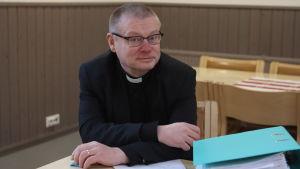 Kiuruveden kirkkoherra Kimmo Kivelä