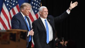 Donald Trump och Mike Pence på Republikanernas partikonvent i USA 24.8.2020.