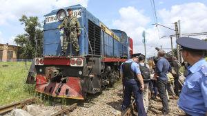 Tåget med flygolycksoffer anländer till Charkiv.