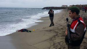 Flyktingbåt sjönk på Egeiska havet den 5 januari 2016. Elva kroppar hittades i Dikili-området som ligger söder om Ayvalik.