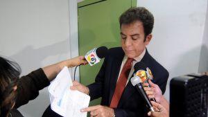 """Vänsterkandidaten Salvador Nasralla nöjer sig inte med beslutet eftersom """"det förekom valfusk inför, under och efter valet."""""""