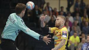 Teemu Tamminens ccosk var nära att besegra Ademar Leon i Champions League i handboll.
