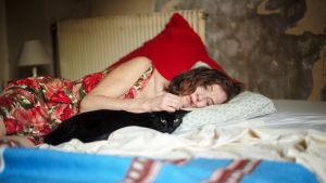 Isabelle Huppert elokuvassa Mitä tuleman pitää