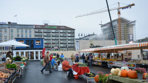 Tillfälligt torg i Åbo centrum.