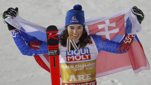 Slovakiens Petra Vlhova var överlycklig efter att ha vunnit VM-guld i storslalom i Åre 2019.