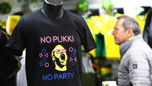 "En ""No Pukki no party""-tröja i Norwich fanbutik."