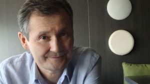Forskaren Eset Esengarajev säger att det kazakstanska folket inte är politiskt moget