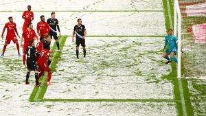 fotboll i snöyra