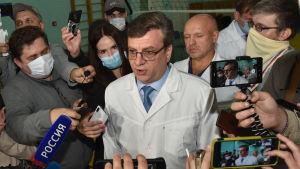 Alexander Murachovskij, som då var chefsläkare vid akutsjukhuset i Omsk, intervjuades av medier den 21 augusti 2020.