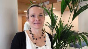 Mirjam Kalland är rektor för Svenska social- och kommunalhögskolan i Helsingfors.