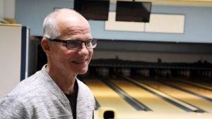 Kari Reinivuo från Lovisa bowlingförbund