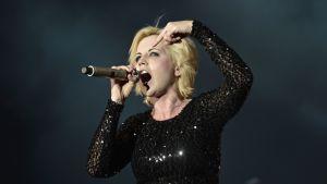 Dolores O'Riordan live 2012.