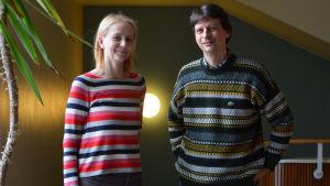 Akademiforskare Camilla Lindholm och professor i nordiska språk Jan Lindström