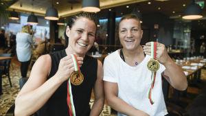 Gulddamerna Potkonen och Gustafsson, boxning