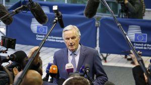 Chefsförhandlaren Michel Barnier fotograferade utanför Europeiska kommissionen måndagen den 15 oktober 2019.