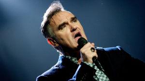 Morrissey sjunger. 2009.