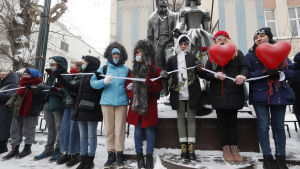 Enligt nyhetsbyrån AFP deltog ungefär 300 kvinnor i söndagens manifestation i Moskva.
