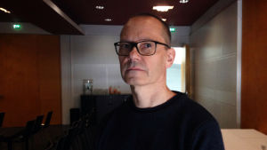 Sami van Ingen on tehnyt kokeellisia lyhytelokuvia Oi maamme! -hankkeeseen.