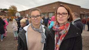 Anna Sell, ordförande för Hem och skola i S:t Karins och Erika Silventoinen, styrelsemedlem i Hem och Skola