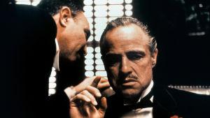 Marlon Brando spelar Don Vito Corleone i filmen Gudfadern