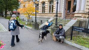 Klimatstrejk utanför stadshuset i Borgå.