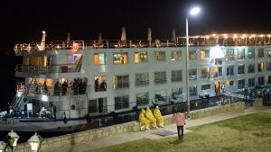 45 personer som rest på en flodbåt testade positvt för coronavirus i Luxor i Egypten.